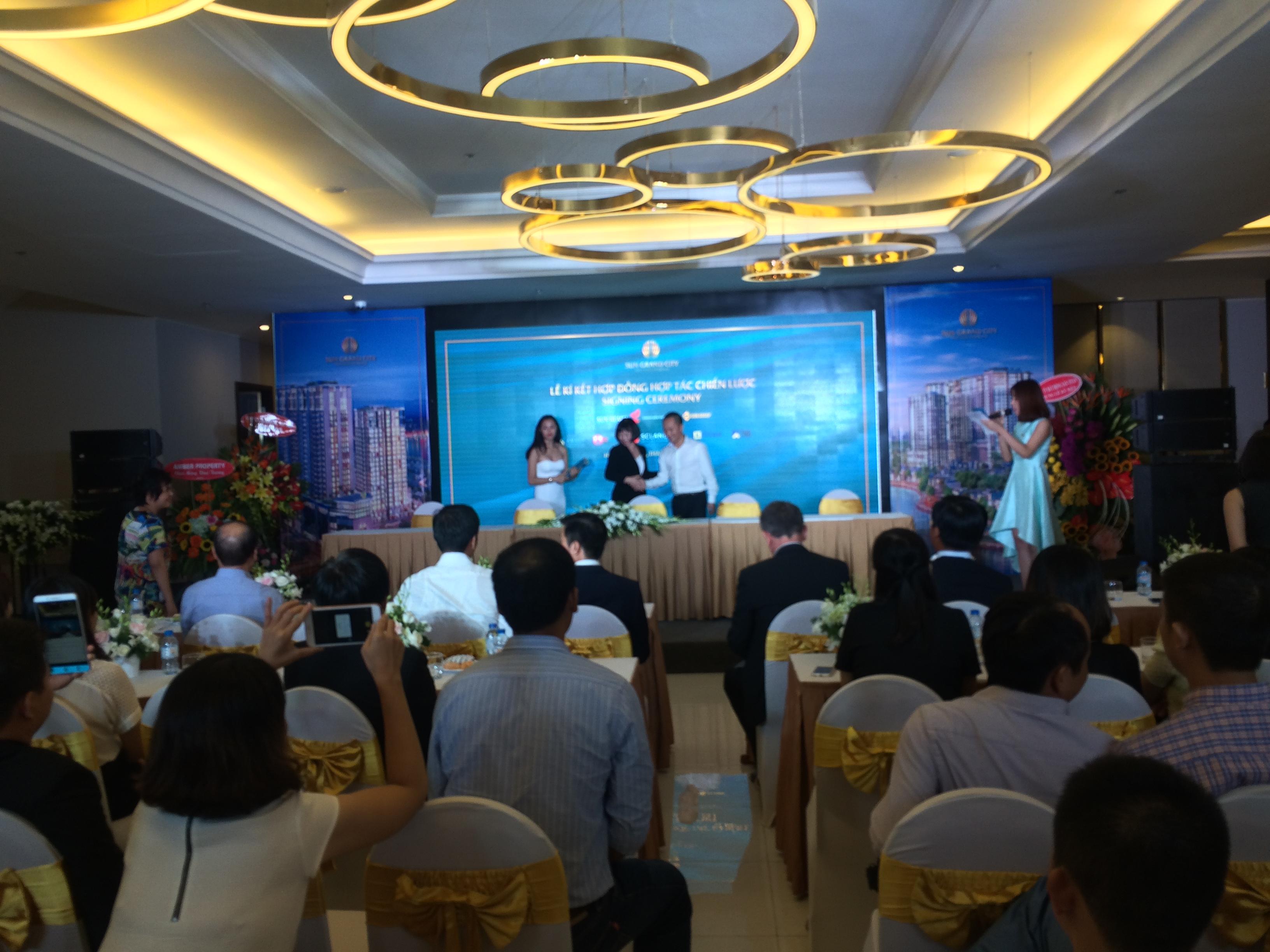 Sun Group lựa chọn EZ Việt Nam làm đại lý phân phối chiến lược